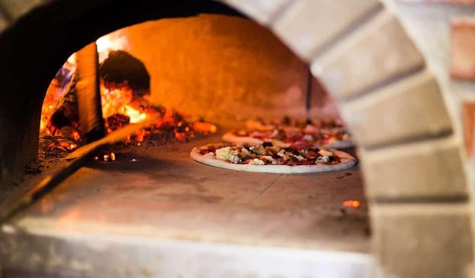 , Des pizzas au feu de bois au cœur des Calanques Chez Zé, Made in Marseille, Made in Marseille
