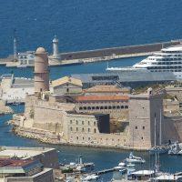 , Un premier navire de Corsica Linea branché électriquement à quai