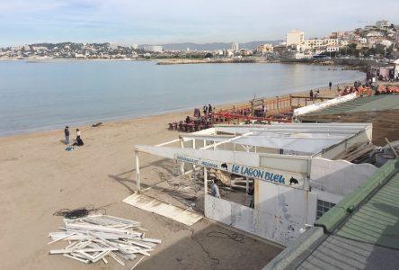 , La nouvelle plage de la Pointe Rouge et ses terrasses en bois en images