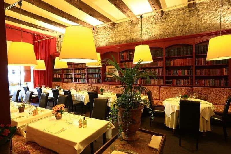 notre s lection des meilleurs restaurants romantiques marseille made in marseille. Black Bedroom Furniture Sets. Home Design Ideas