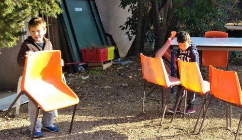 bricabracs. Cours de calcul avec des chaises