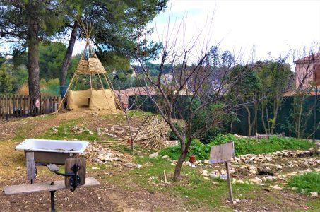 cabane et potager de l'école bricabracs
