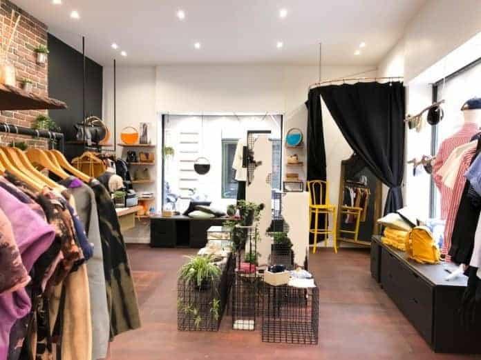 un nouveau concept store d di au savoir faire fran ais ouvre dans le quartier des antiquaires. Black Bedroom Furniture Sets. Home Design Ideas