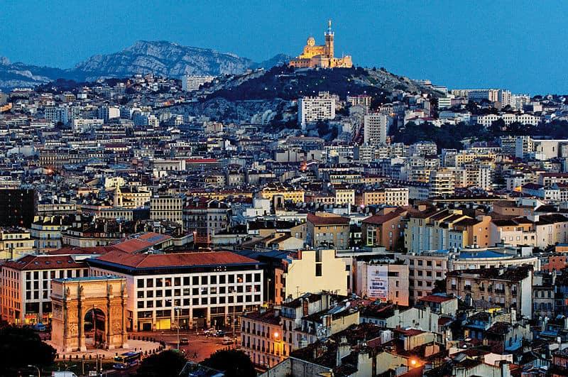 Le Couvre Feu Etendu A 90 Communes De La Metropole Aix Marseille Provence
