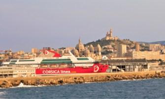 navire corsica linea port de marseille