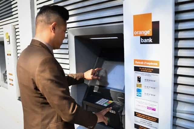 , Un an après son lancement, Orange Bank séduit 200 000 clients