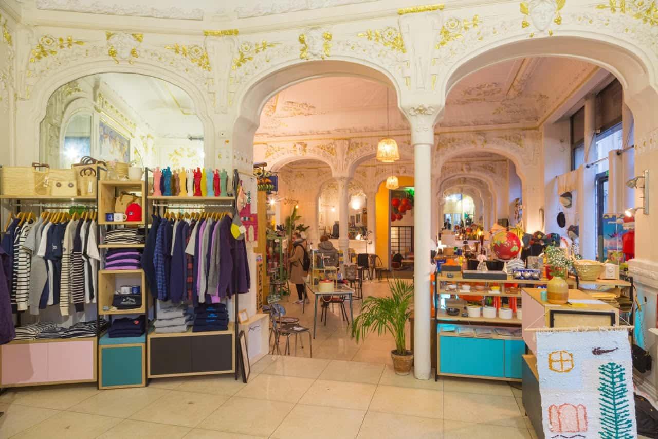 , La Place – République, nouveau spot branché avec bar, brocante et expos