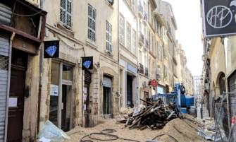 travaux de déconstruction dans la rue de la palud