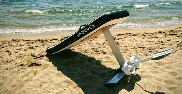 , Des Provençaux inventent Whimsifoil, le surf électrique qui vole sur l'eau