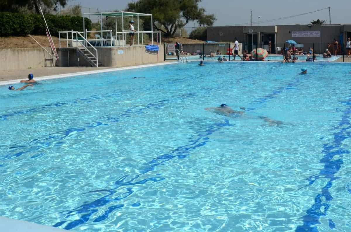 , Face à la canicule, faut-il ouvrir les piscines marseillaises jusqu'à 22h ?