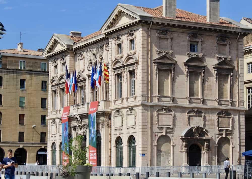 , La semaine politique : Le Lièvre et la Tortue, les marrons chauds et le nouveau candidat à la Mairie de Marseille, Made in Marseille
