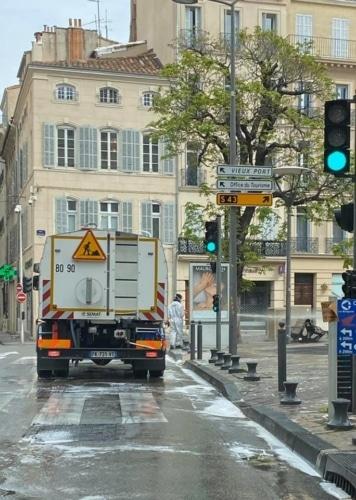 , La désinfection des rues de Marseille a débuté aujourd'hui et continue demain, Made in Marseille
