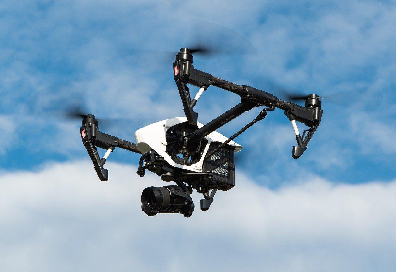 , Un drone policier met en garde les passants marseillais, Made in Marseille, Made in Marseille