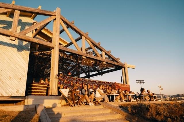 , La Cabane des amis, le nouveau bar à Marseille pour chiller à la plage, Made in Marseille