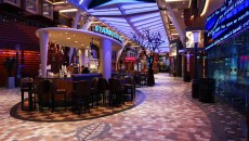 allure-of-the-seas-bar-soiree-croisiere