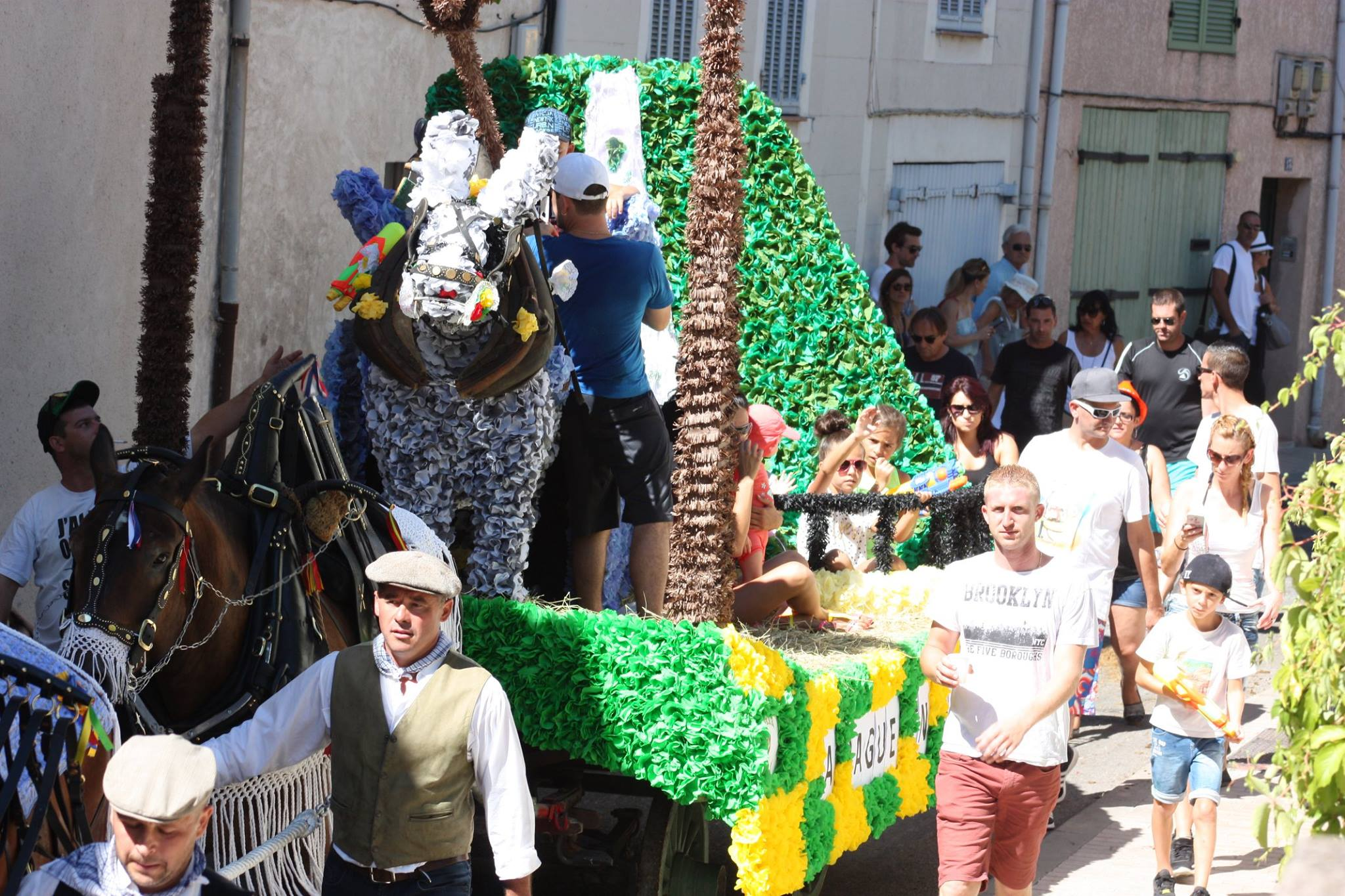 , [Tradition provençale] La Saint-Eloi de Gémenos se dévoile en images