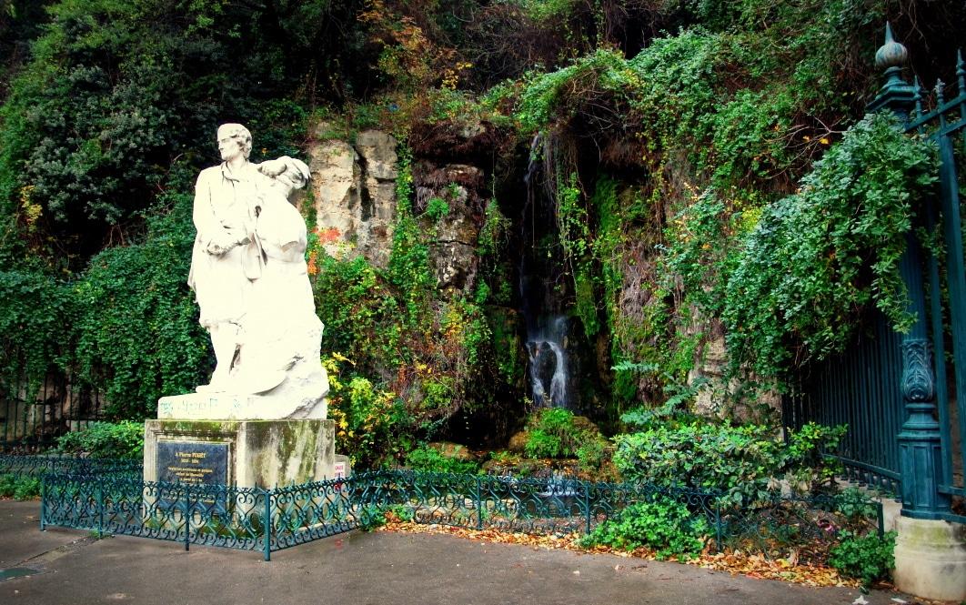 fontaine-statue-parc-colline-puget