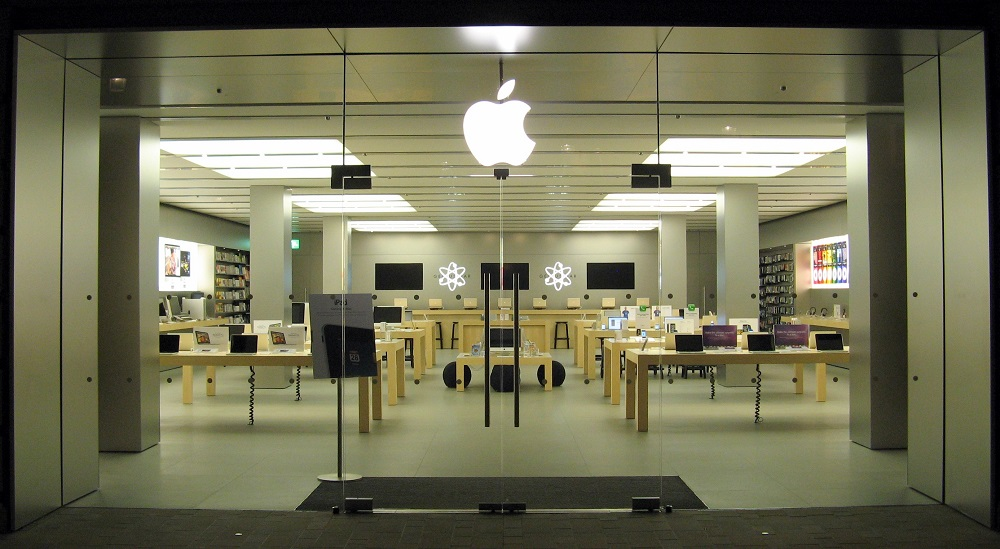apple arrive marseille et recrute 15 personnes. Black Bedroom Furniture Sets. Home Design Ideas
