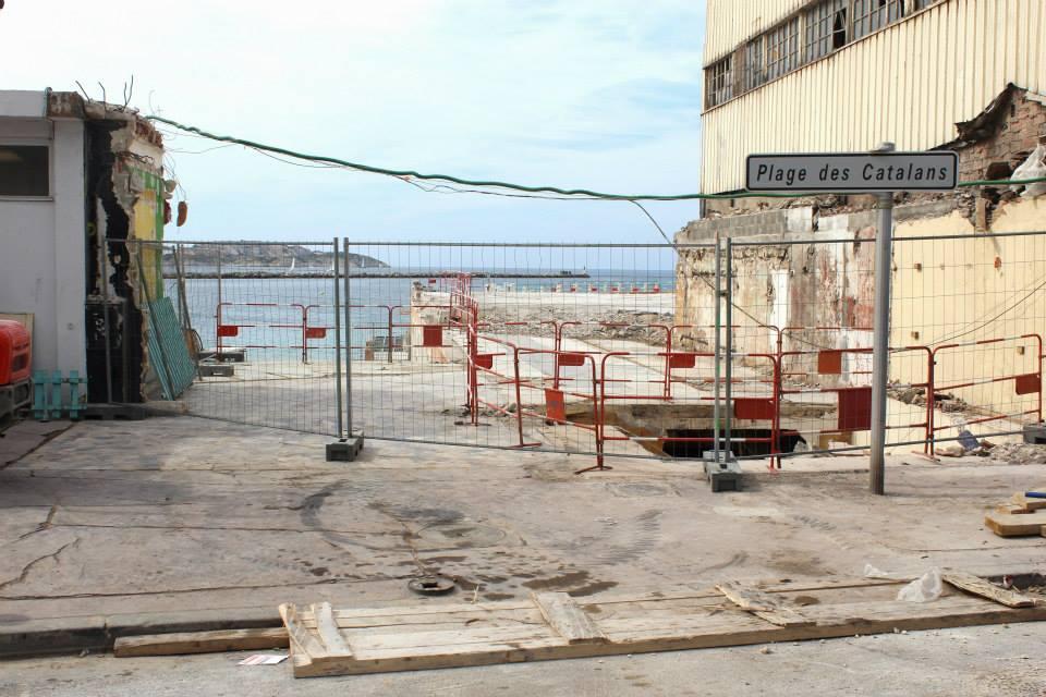 plages marseillaises, Pour ou contre la privatisation de 20% des plages marseillaises ?