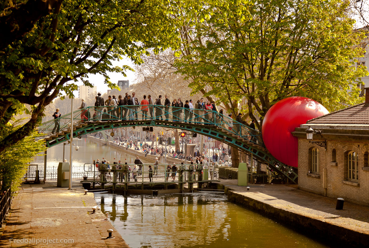 redball-project-paris-canal-saint-martin