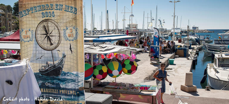 Sur le port de Carry Le Rouet, animations, ateliers et dégustations et produits locaux sur le thème de la mer.
