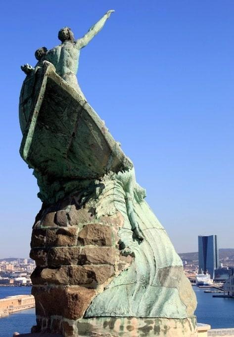 statue-palais-pharo-marseille